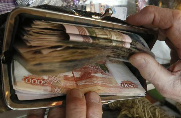 В Думе примут закон, запрещающий выплачивать долги из пенсий