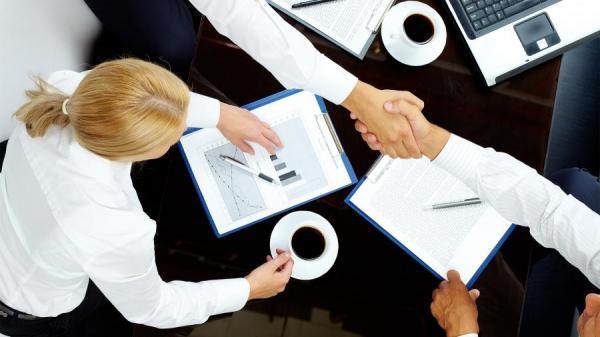 бизнес бизнесмены переговоры