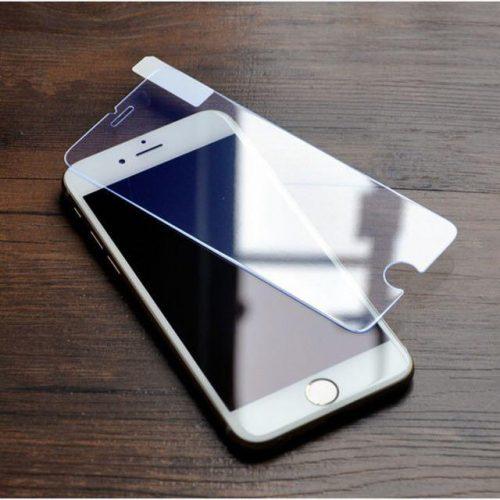Так выглядит классическое стекло для телефона
