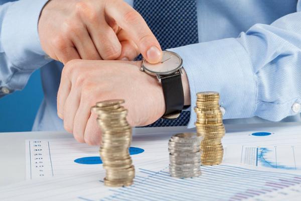 Роструд напомнил работодателям об обязанности регулярно индексировать зарплаты работников
