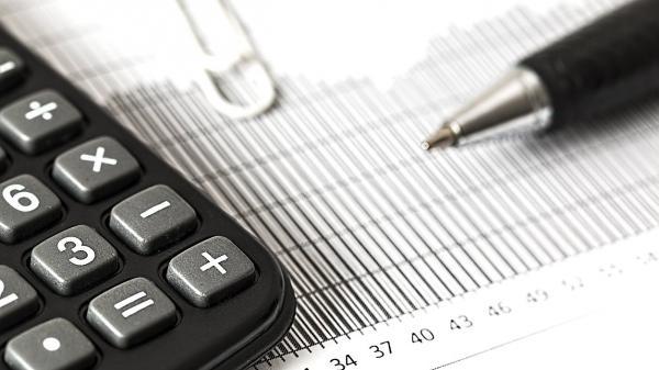 налоги документы бумаги ручка калькулятор вычет